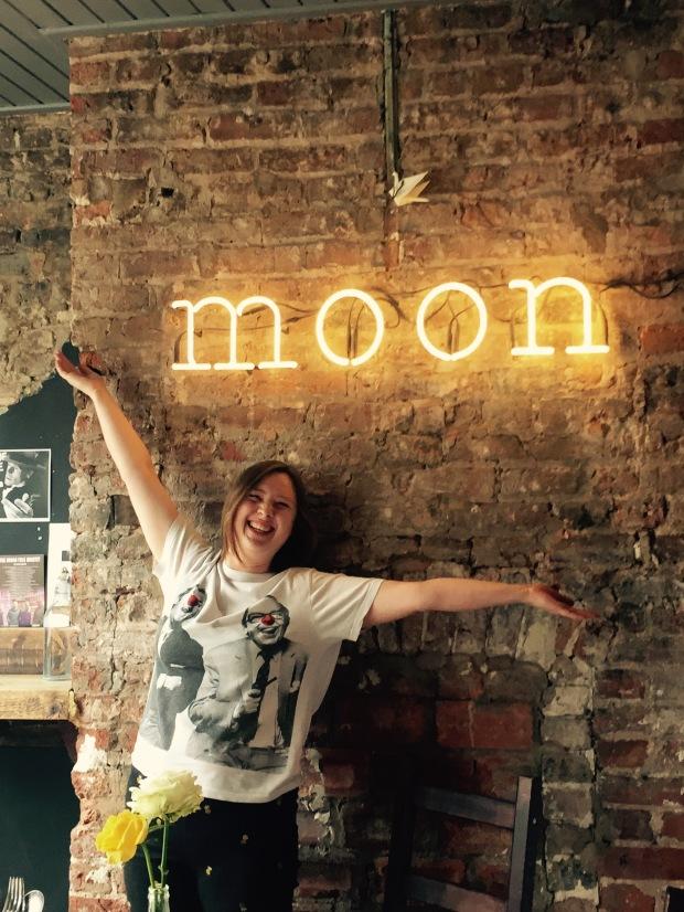 Danielle de la Wonk at The Harvest Moon Espresso Bar  Pic A Ferguson